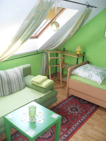 gemütliche kleine Dachwohnung - Bönen - Apartment