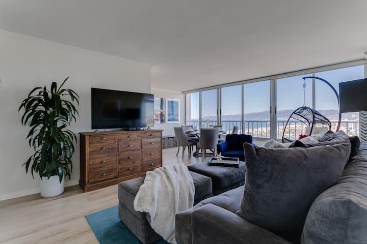 5-Star 2-Bdr Beachfront Apt w. Amazing Ocean Views