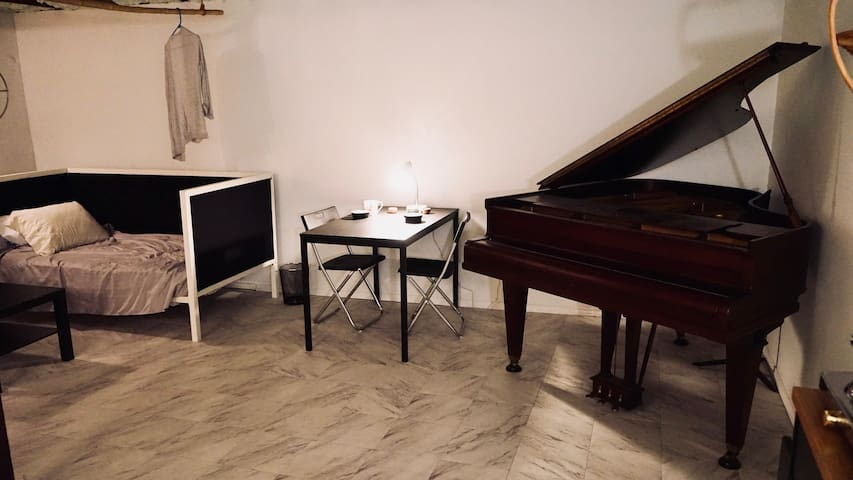 Modern Studio Space near downtown