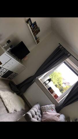 Hübsches 1 Zimmer apartment zur Zwischenmiete