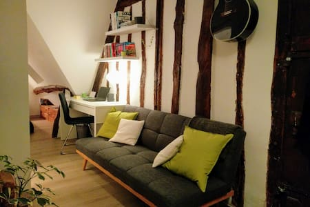 Rustic studio in historical city center - Vernon - Appartement