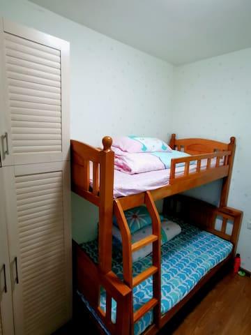 儿童房,上下铺1.2米+1米