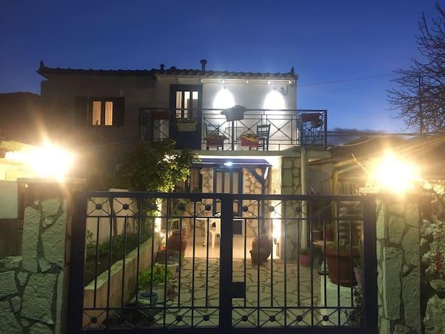 Traditional House Agatha