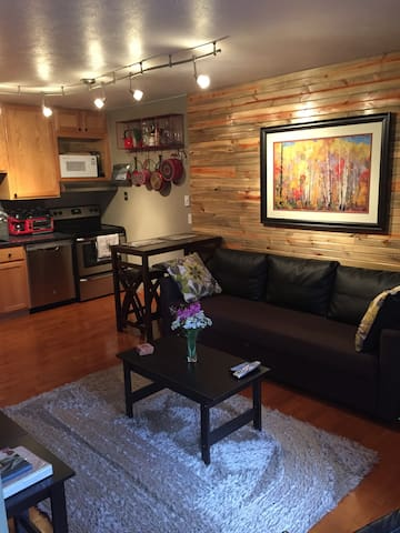 Cozy Winter Park condo!!