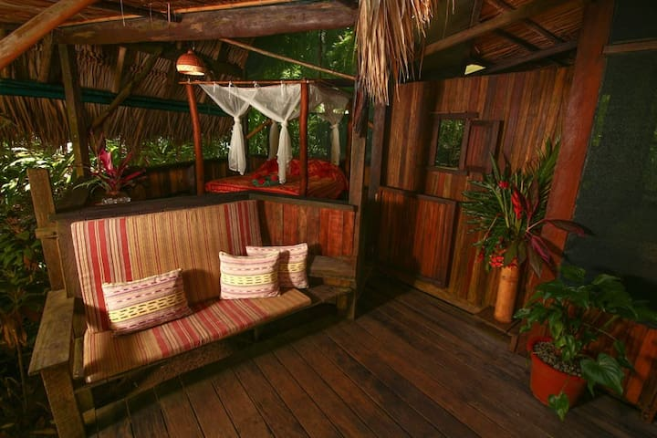 Off the Grid Cabin surrounded by nature - Puntarenas Province - Hotel ekologiczny