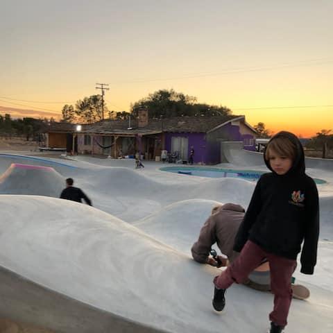 Private Desert Skate Ranch 3Bed RV/ Skate&Camping