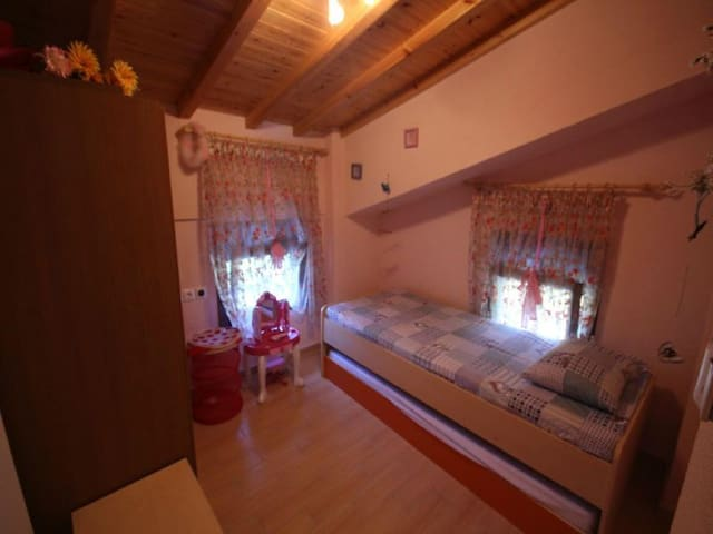 Description of property: 6 Bedrooms, 4 Bathrooms, - Halkidiki - Ev