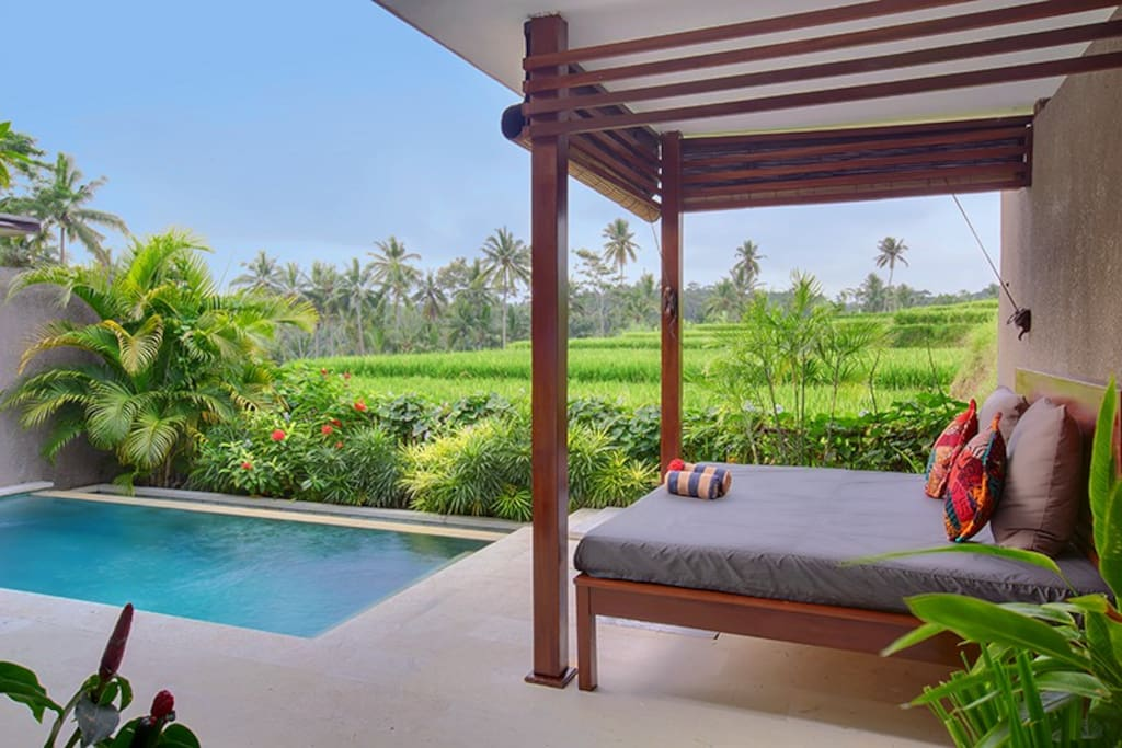 Anusara Luxury Villas-Deluxe Pool and view