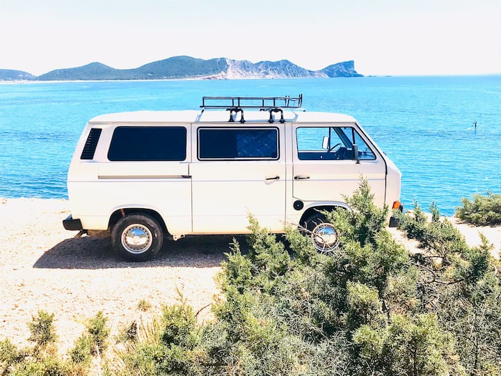 Vicky Discover Ibiza by Camper T3