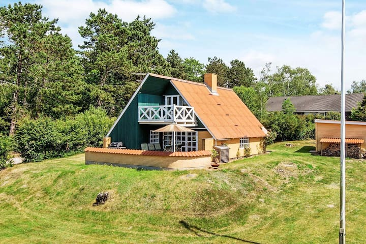 6 person holiday home in Ebeltoft