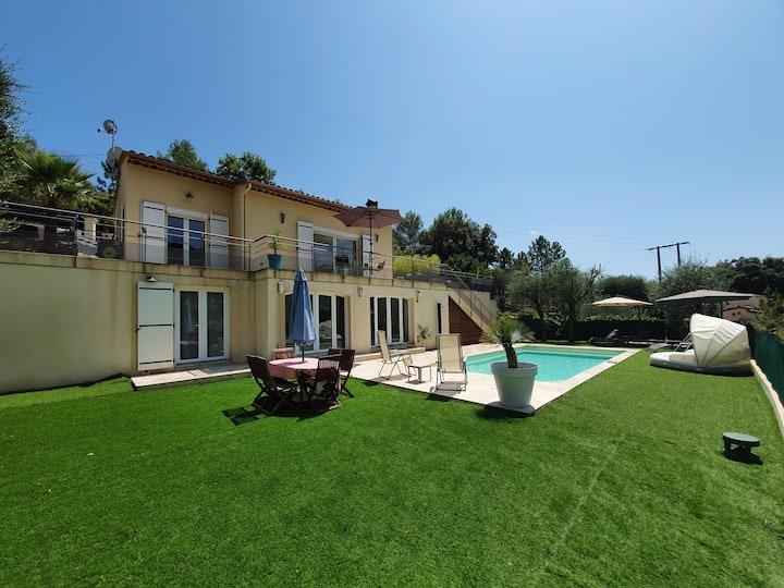 Appartement neuf avec piscine privée