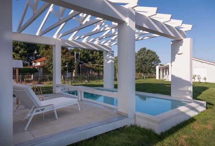 White Villas - Private Pool Villa
