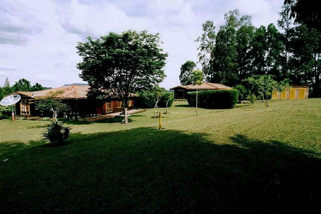 Lindo paisagem natural com área verde de 5,200 m2