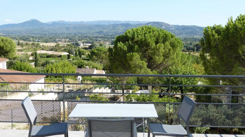 Terrasse vue Sainte Victoire et plaine de la Durance