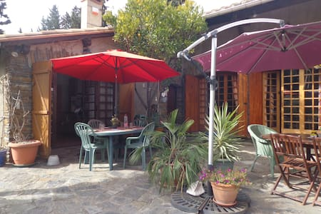 Cozy self-catering courtyard apartment