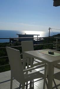 Сдается этаж в доме с видом на море - Krimovica - Rumah