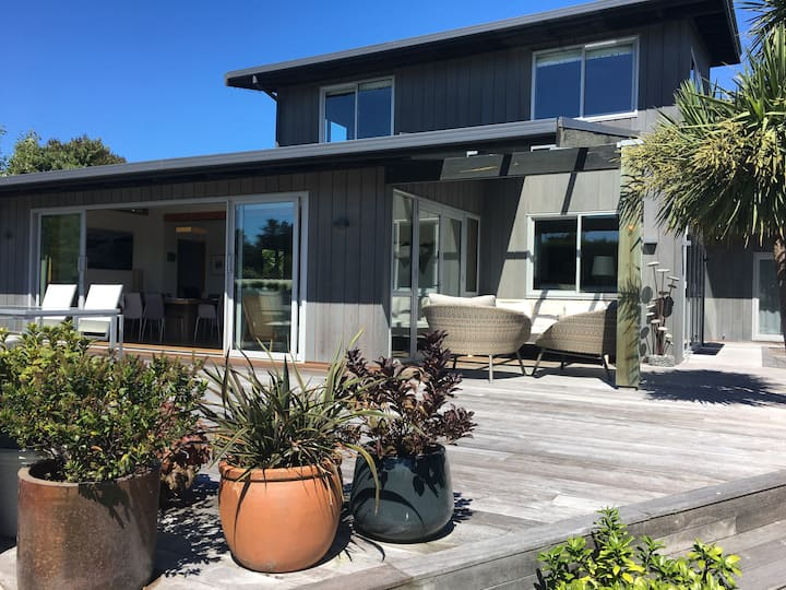 3 Minutes Walk From The Beach!