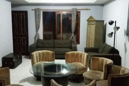 Casa con un cuarto disponible - San Diego - House