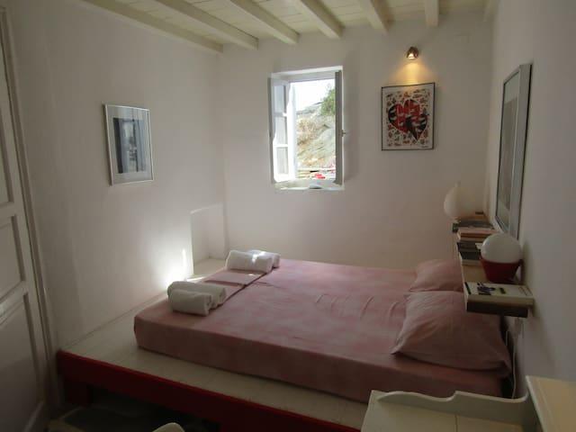 Bedroom on the left side(west)