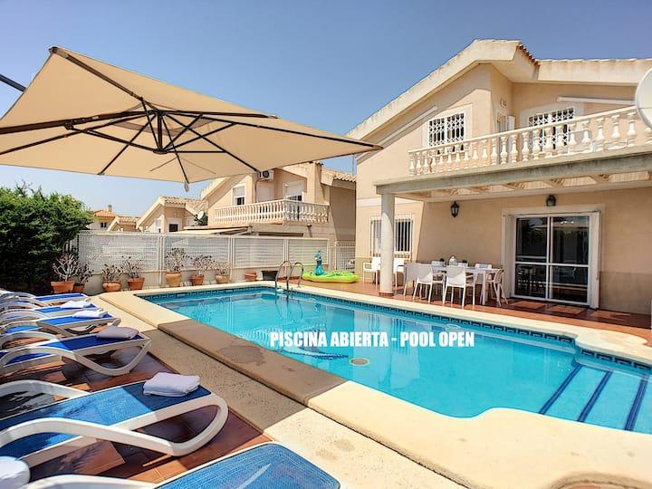 Prive zwembad, terras, uitzicht op zee, wifi