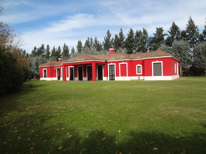 Casa colonial en Pilar - Club de Polo y Golf