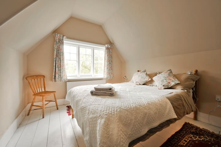 Beautiful Sunny Room - Norwich - Bed & Breakfast