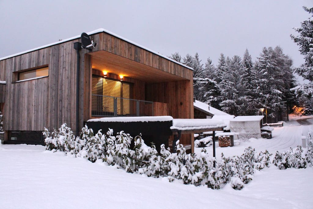 Brand new chalet – quiet, sunny and nearby forest & lake.