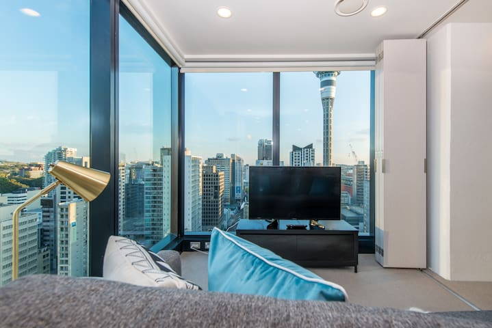 【JHT】Superb Central, BRAND NEW,Sky Tower view