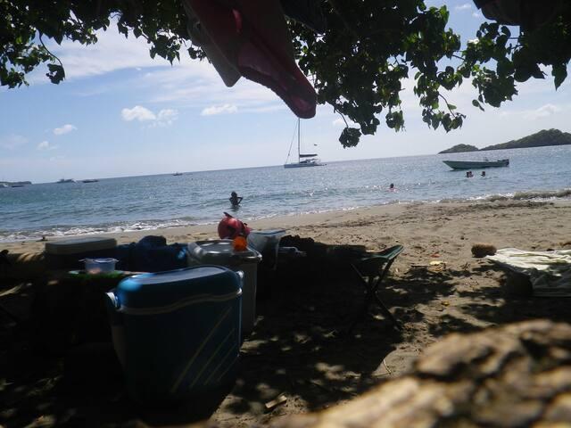 La plage du petit malendure accessible à pied dans la résidence