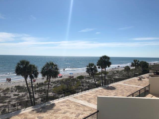 Beach Front Condo, St. Pete Beach, Florida!!!