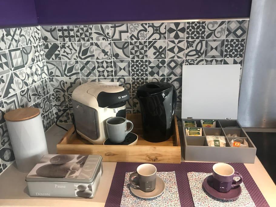 À votre disposition thé et café !
