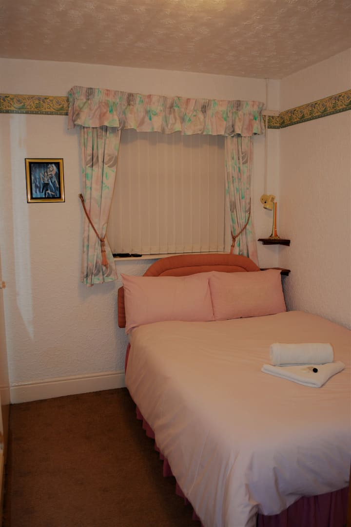 Double Bedroom with Ensuite 7