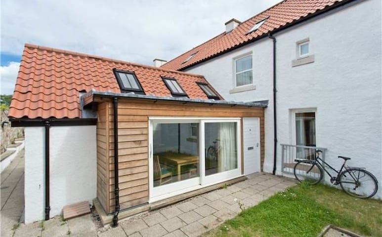 Modern Town House in Heart of St Andrews - Saint Andrews - Apartmen