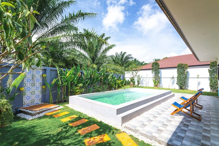 Tropical Flamingo Private Pool Villa 3BR Near Yamu