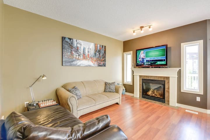 Comfortable & well stocked, family friendly home