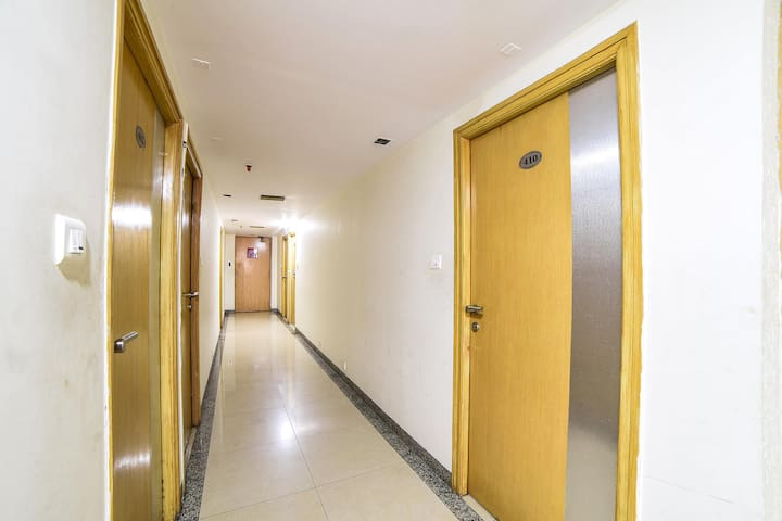 Spacious rooms with AC , Wifi and Breakfast