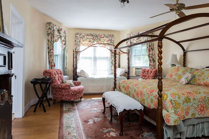 Inn on Poplar Hill Magnolia Room - Orange - Oda + Kahvaltı