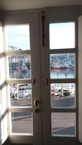 Duplex in Luarca Harbour. 4 beds,expandable to 5. - Luarca - Huis