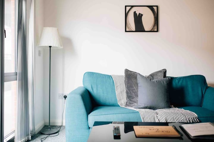 Comfortable and stylish apartment in the City(A11)