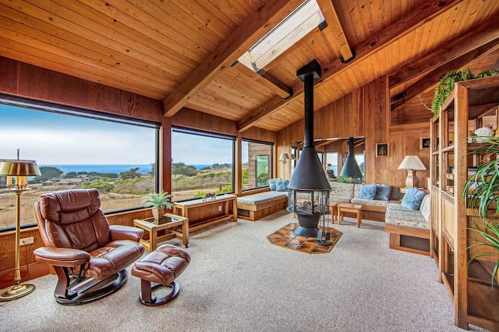 Stunning home w/ ocean view, multiple decks, shared pool & more!