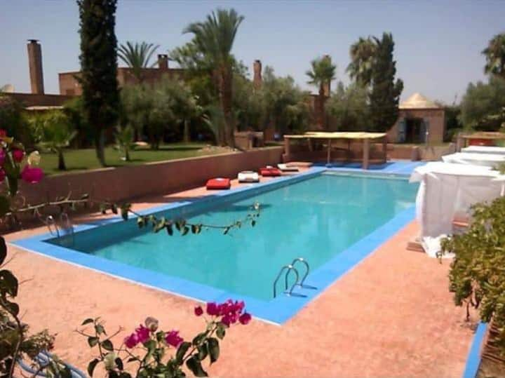 villa prive a 15km de marrakech avec piscine