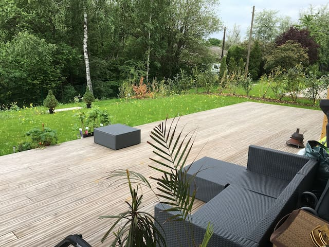 2 bedroom apartment+terrace+garage+5min center