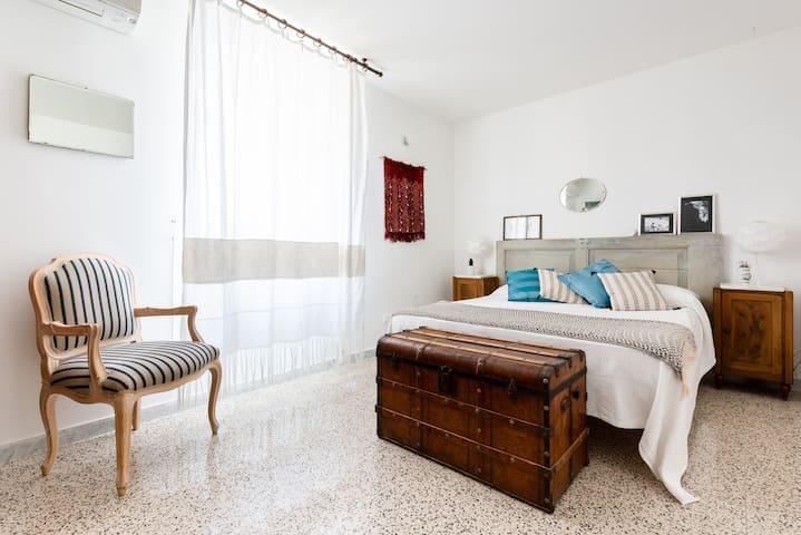 Spanish Steps Luxury Suite