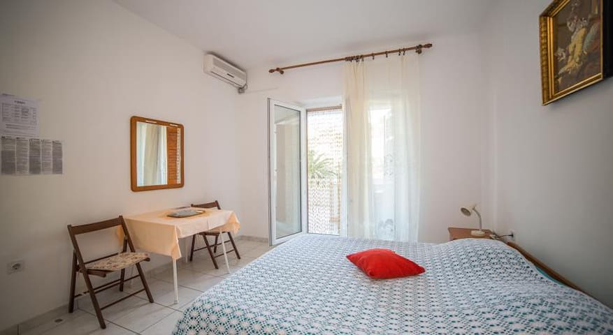 Apartman Ina 1 - Povlja - Apartment