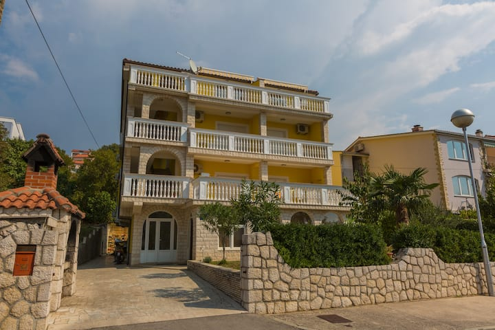 Kiara Appartment 4 Crikvenica