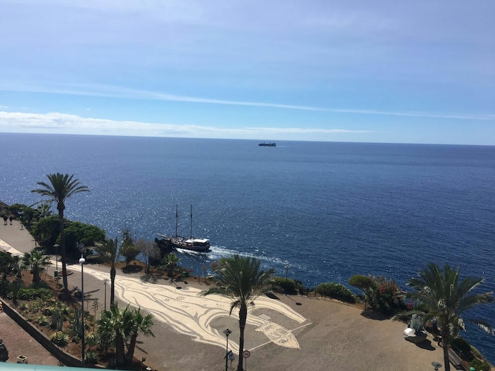 Lovely seaside apartment in Funchal