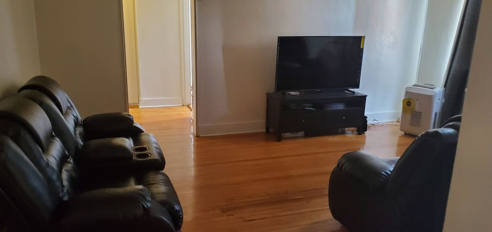 PRIVATE ROOM NEAR BARCLAY CENTER & KING PLAZA MALL