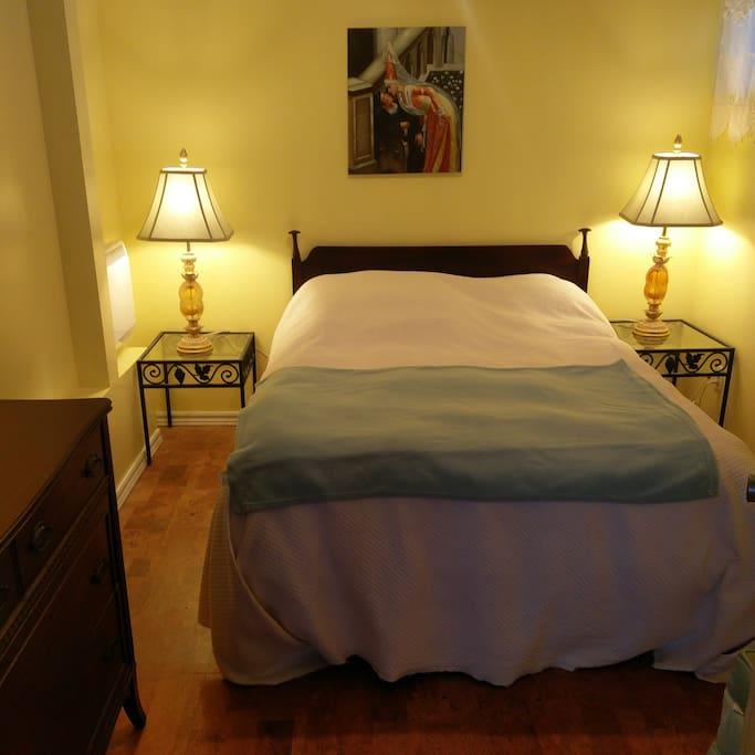 Cozy 2nd bedroom