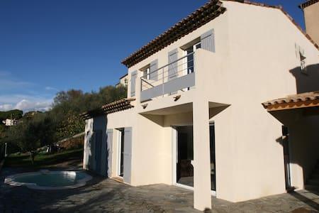 Maison avec piscine, proche de NICE - Saint-Martin-du-Var - Hus