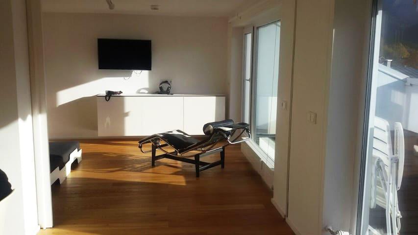 Luxuriöse Wohnung mit großer, sonniger Terrasse